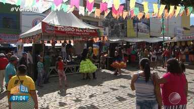 'Forró na feira' anima os moradores de Senhor do Bonfim - Conheça a iniciativa que já serve de aquecimento para o São João.