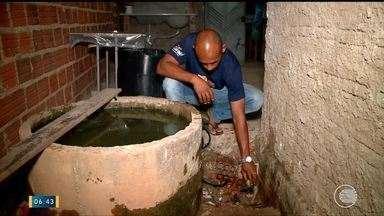 Moradores reclamam da falta de água no bairro Santa Bárbara - Moradores reclamam da falta de água no bairro Santa Bárbara