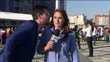 Repórter da Globo é mais uma das vítimas de assédio na Rússia - Vídeos com brasileiros humilhando mulheres enquanto aproveitam a Copa têm dado o que falar. Neste domingo (24), homem tentou beijar Júlia Guimarães.