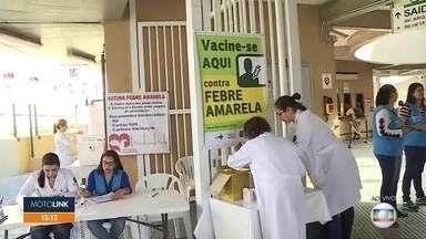 Vacinação contra febre amarela é aplicada em um posto no terminal de ônibus Sapopemba - O posto volante fica no local para atendimento até sexta-feira (29).