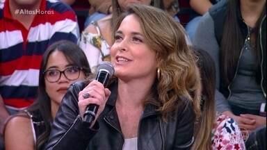 Cláudia Abreu conta que 'Barriga de Aluguel' fez seu lado mãe aflorar - Atriz fala sobre seus quatro filhos