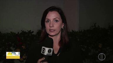 Após afastamento de prefeito, presidente da Câmara assume o cargo em Aperibé, no RJ - Virley Figueira assumiu a chefia do Executivo após a Justiça Eleitoral afastar o prefeito Dezoito do cargo. Ainda cabe recurso da decisão de afastamento.