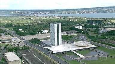 Projeto veta suspensão de lei por ministro do STF - CCJ da Câmara aprovou projeto que proíbe ministros do STF de suspender leis de forma individual. Votação tem que ir a plenário.