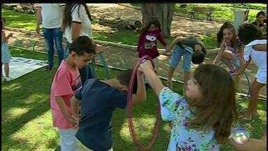 Confira opções de atividades de fazer com crianças durante as férias - São 30 dias de muita energia das crianças.