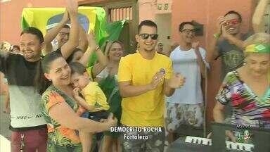 Torcedores estão unindo força e energia para a seleção brasileira no Demócrito Rocha - Saiba mais em g1.com.br/ce