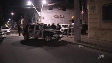 Taxista e vigilante são assassinados a tiros no centro de Fortaleza - Confira mais notícias em g1.globo.com/ce