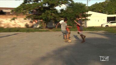 Clima da Copa do Mundo inspira crianças no Maranhão - Jogadores da Seleção Brasileira são fonte de inspiração para crianças em Santa Inês