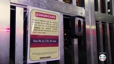 Movimento começa mais cedo em dia de jogo do Brasil - Empresas liberam funcionários mais cedo para acompanhar o jogo do Brasil