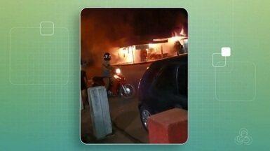 Incêndio atinge batedeira de açaí em Macapá; ninguém ficou ferido - Fogo iniciou cerca da por volta da meia-noite desta sexta-feira (6).