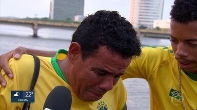 Torcedores no Recife lamentam derrota que eliminou o Brasil da Copa do Mundo - Placar de 2x1 para a Bélgica eliminou o Brasil da Copa do Mundo.