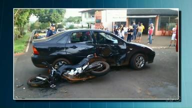Motociclista fica ferido em acidente com carro em Foz do Iguaçu - Motorista do carro não ficou ferido.