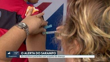 Rio monitora pacientes com suspeita de terem sarampo - A prefeitura do Rio e o govern do estado estão investigado mais de dez casos suspeitos de sarampo. Um caso, de uma estudante universitária, já foi confirmado. Autoridades reforçam a necessidade da vacinação, principalmente de crianças.