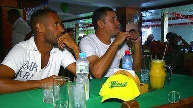 Ex-jogadores, em Cabo Frio, assistem e comentam jogo do Brasil contra a Bélgica - Brasil perdeu o jogo e foi eliminado da Copa do Mundo.