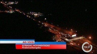 Volta do feriado deixa estradas da região cheias - Movimento é intenso desde a tarde desta segunda (9).