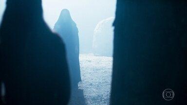 Agnes tem um sonho com Brice e sua filha - Ela acredita que a filha da bruxa ainda está viva