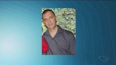 PM morre afogado após salvar a esposa e o filho em acidente no ES - O sargento Paulo Sérgio Torquato, de 45 anos, estava com a esposa e o filho de dois anos quando o carro deles caiu no Rio Santa Clara, em Ibitirama.