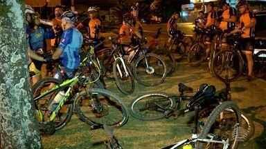 Apaixonados por bike estão no quadro 'Praticando Esporte' - Turma encara as pedaladas com muita disposição.