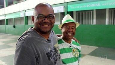 Cria da comunidade mostra o bairro de Padre Miguel - O passeio visita a quadra da escola de samba e o bar onde acontece o Pagode da Feira.