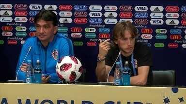 Técnico da Croácia pode ter adotado estratégia para confundir franceses - Perisic, eleito o melhor em campo contra a Inglaterra, está há dois dias sem treinar por causa de lesão. Técnico não confirmou a escalação do jogador.
