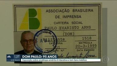 Dom Paulo Evaristo Arns ganha exposição sobre sua vida e luta social - Mostra fica aberta ao público até o dia 23 de setembro, no Centro Cultural dos Correios, região central da Capital.