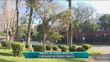 Módulo da Guarda Municipal é instalado no Passeio Público - Frequentadores reclamam da falta de segurança.