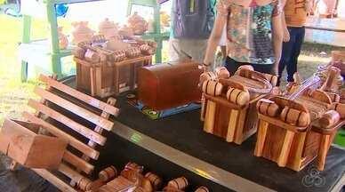 Comerciantes apostam na Festa de São Tiago para lucrar, no Amapá - Vendas de alimentos, acessórios e artesanatos movimenta economia do distrito de Mazagão Velho durante celebração
