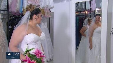 Cem casais que participam de casamento comunitário no Recife precisam de doações à festa - Eles ganharam uma festa de casamento, mas ainda faltam alguns itens para o sonho ser realizado por completo.