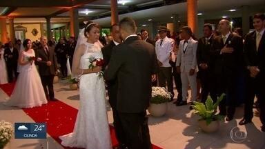 Noivas arrecadam doações para casamento coletivo - Projeto 'Casamento de Rainha' chega à terceira edição e é voltado para noivos que não podem pagar por uma festa.