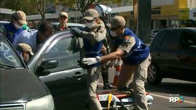 Simulação de acidente marca Dia do Motociclista em Cascavel - Mais de mil acidentes registrados na cidade este ano envolveram motos.