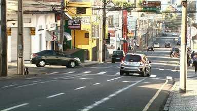 Mais da metade dos acidentes de trânsito em Ponta Grossa acontecem em cruzamentos - A Polícia Militar fez o ranking dos cruzamentos onde aconteceram o maior número de batidas na cidade.