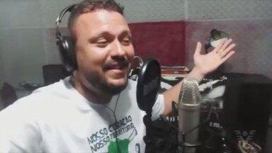 Jogo da Ação do Coração ganha música de compositor da região - Disputa beneficente entre ex-jogadores e artistas faz parte da 7ª edição da Ação do Coração. Fernando Negrão fez música de aquecimento para o jogo.
