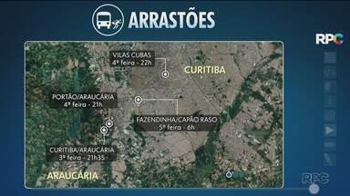 Passageiros do transporte coletivo têm medo dos arrastões nas linhas de ônibus - Só nesta semana foram 4 arrastões nos ônibus que circulam em Curitiba e também na Região Metropolitana.