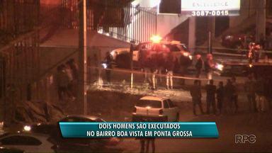 Dois homens são executados na rua no Parque Nossa Senhora das Graças em Ponta Grossa - Segundo a Polícia, eles estavam em uma moto quando foram atingidos por tiros.