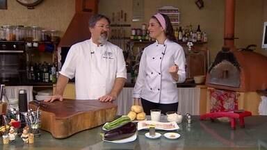 Impressione na cozinha: receita simples, flor de batata com bacon e queijo - Confira o passo a passo dessa receita bem fácil de fazer.