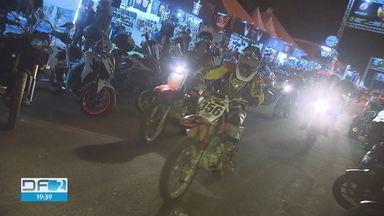 Brasília Capital Moto Week reúne milhares de pessoas - O maior encontro de motocicletas da América Latina reuniu 700 mil pessoas na Granja do Torto, em Brasilia.