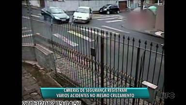 Câmeras de segurança registram vários acidentes no mesmo cruzamento de Ponta Grossa - Em Curitiba, o cruzamento campeão em acidentes fica na Cidade Industrial de Curitiba.