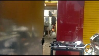 Incêndio atingiu parte de uma academia e m açougue no fim de semana - Incidente foi em São José.