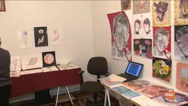Feira de Artes Entremostras reúne mais de 30 artistas em Florianópolis - Feira de Artes Entremostras reúne mais de 30 artistas em Florianópolis