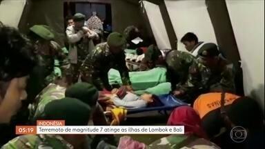 Novo terremoto atinge a Indonésia e deixa mortos e feridos - O terremoto de magnitude sete foi detectado a dez quilômetros de profundidade. É o segundo abalo registrado em menos de uma semana. Noventa e uma pessoas morreram e mais de 50 ficaram feridas.