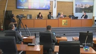 Vereadores de Sorocaba votam relatório final da CPI da merenda - Depois da sessão desta quinta-feira (9) da Câmara de Sorocaba, os vereadores da CPI da merenda vão votar o relatório final da investigação.