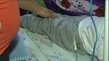 Criança que nunca teve problema sério de saúde sai do hospital sem poder andar - A família suspeita de houve erro médico.