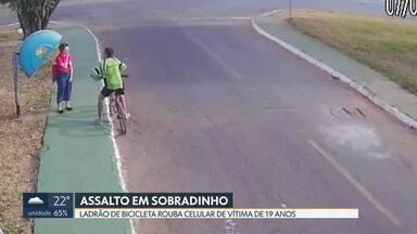 Assaltante de bicicleta rouba celular de jovem em Sobradinho - A ação foi na quadra 16 e durou 20 segundos