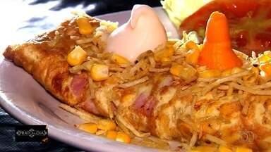 Comerciante ensina receita de omelete de filé mignon que faz sucesso em pit dogs de Goiás - Prato é um dos mais pedidos nas unidades de lanchonetes em que Lidiany Estrela é proprietária; veja como preparar