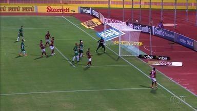 Atlético-GO melhora defesa e sobe de produção na Série B - Time levou sete gols nos últimos nove jogos, manteve o bom rendimento no ataque e chegou ao G-4.
