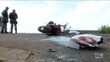 Homem morre após acidente na MA-204 na Região Metropolitana de São Luís - A moto em que ele estava colidiu com um caminhão.