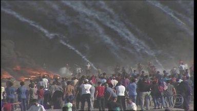 Novos confrontos na fronteira de Israel com Gaza deixam mortos e feridos - Dois palestinos morreram e 240 ficaram feridos nesta sexta-feira.
