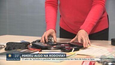 Veja como é o serviço de 'achados e perdidos' da Rodovia Dom Pedro I, em Campinas - Confira os objetos inusitados encontrados pelo serviço na rodovia.