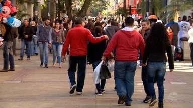 Comércio adota horário especial para compras de Dia dos Pais - Lojas ficam abertas até às 17h em Presidente Prudente.