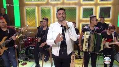 Mano Walter canta 'Juramento do Dedinho' - Música teve mais de 75 milhões de visualizações na internet