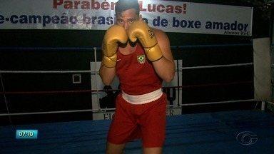 Boxeador alagoano se destaca no Brasil - Lucas Lima é titular da seleção brasileira de boxe. Ele veio passar férias em Maceió.